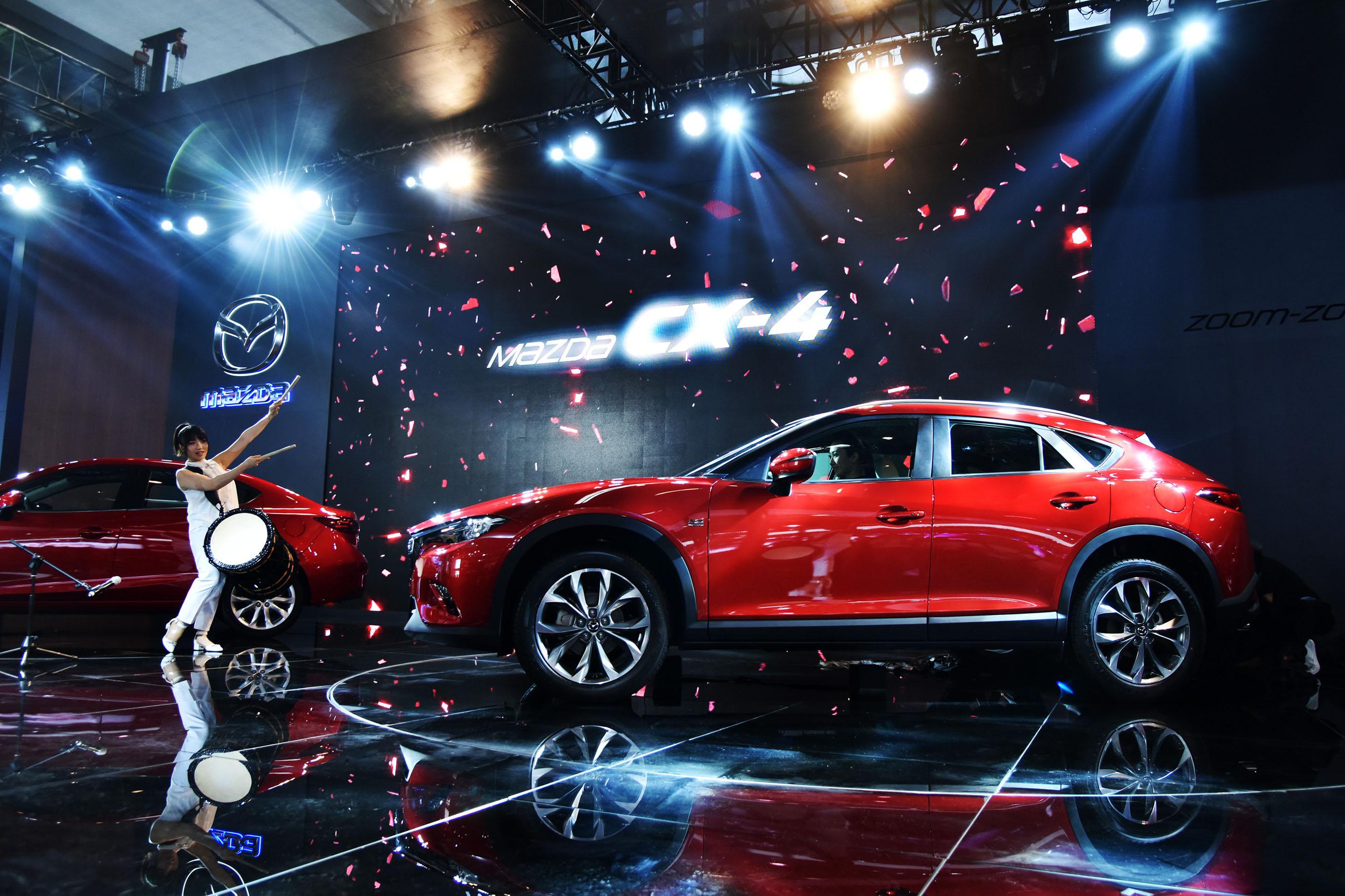 マツダの新SUV「CX-30」、CX-3とCX-5の中間サイズなのにCX-4と呼べない理由