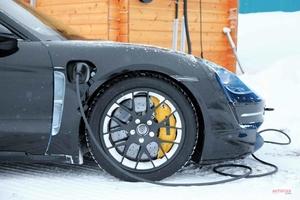 ポルシェ・タイカン 購入希望者、2万人超える ブランド初のフルEVスポーツカー