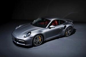 911の頂点モデル「ターボS」登場。新開発ターボは650psを発生し0-100km/h加速は2.7秒に