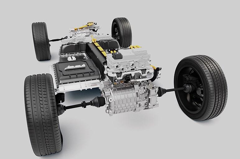 ボルボ、XC40のEVを欧州で発表。航続距離は400kmを超える