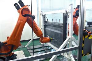 第2世代GT-R乗りにも朗報! 日産自動車が新たな生産技術「対向式ダイレス成形」を開発し公開