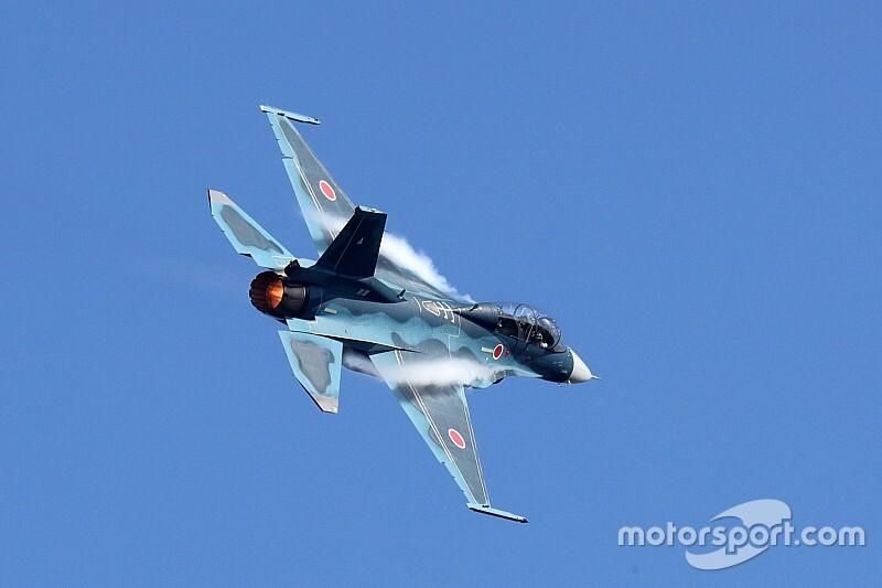 スーパーGT最終戦で航空自衛隊「F-2B 戦闘機」のフライトを実施