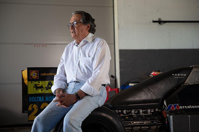 ミナルディのマシンが復活──ランボルギーニ製V12エンジンが26年振りに咆哮をあげる