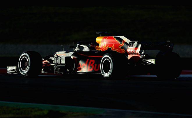 レッドブル、初のホンダパワーユニット搭載F1カー『RB15』の発表日を決定