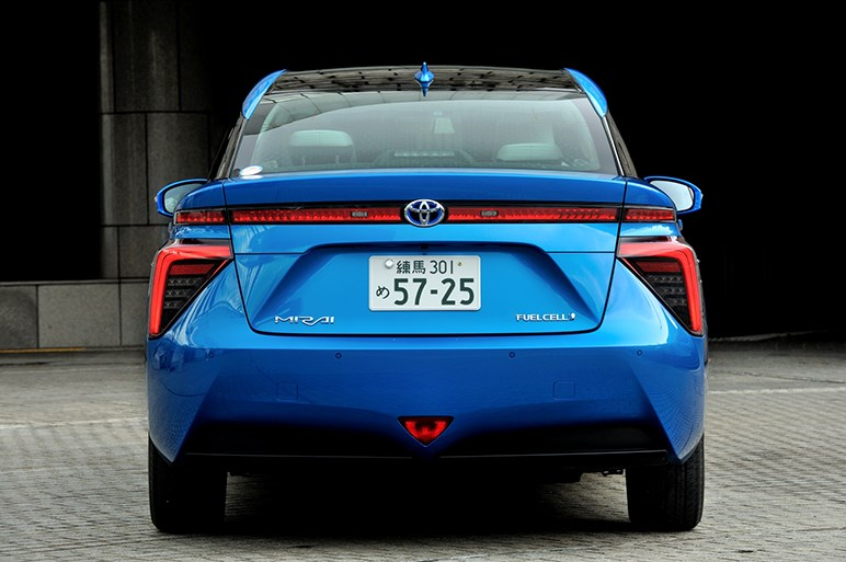 世界初の量産型燃料電池車「ミライ」が描く未来とは?【前編】