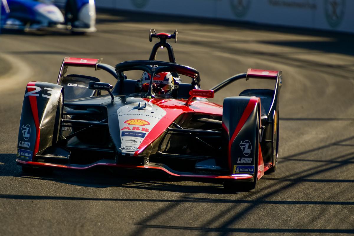 「F1」は1.6Lエンジンで1000ps! 6.2Lエンジンの「スーパーGT」マシンは何馬力出ているのか?