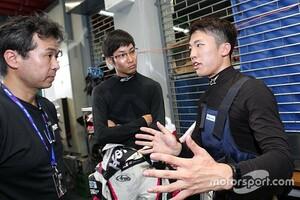 【スーパーGT】「本当にレースで勝つのが難しいクルマ……」坪井翔が25号車マザーシャシーでの経験を語る