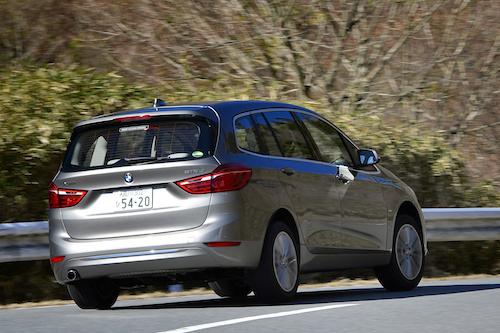 「ミニバンでも走りを妥協したくない」BMW 2シリーズグランツアラーはオヤジの希望を叶える車なのか!?