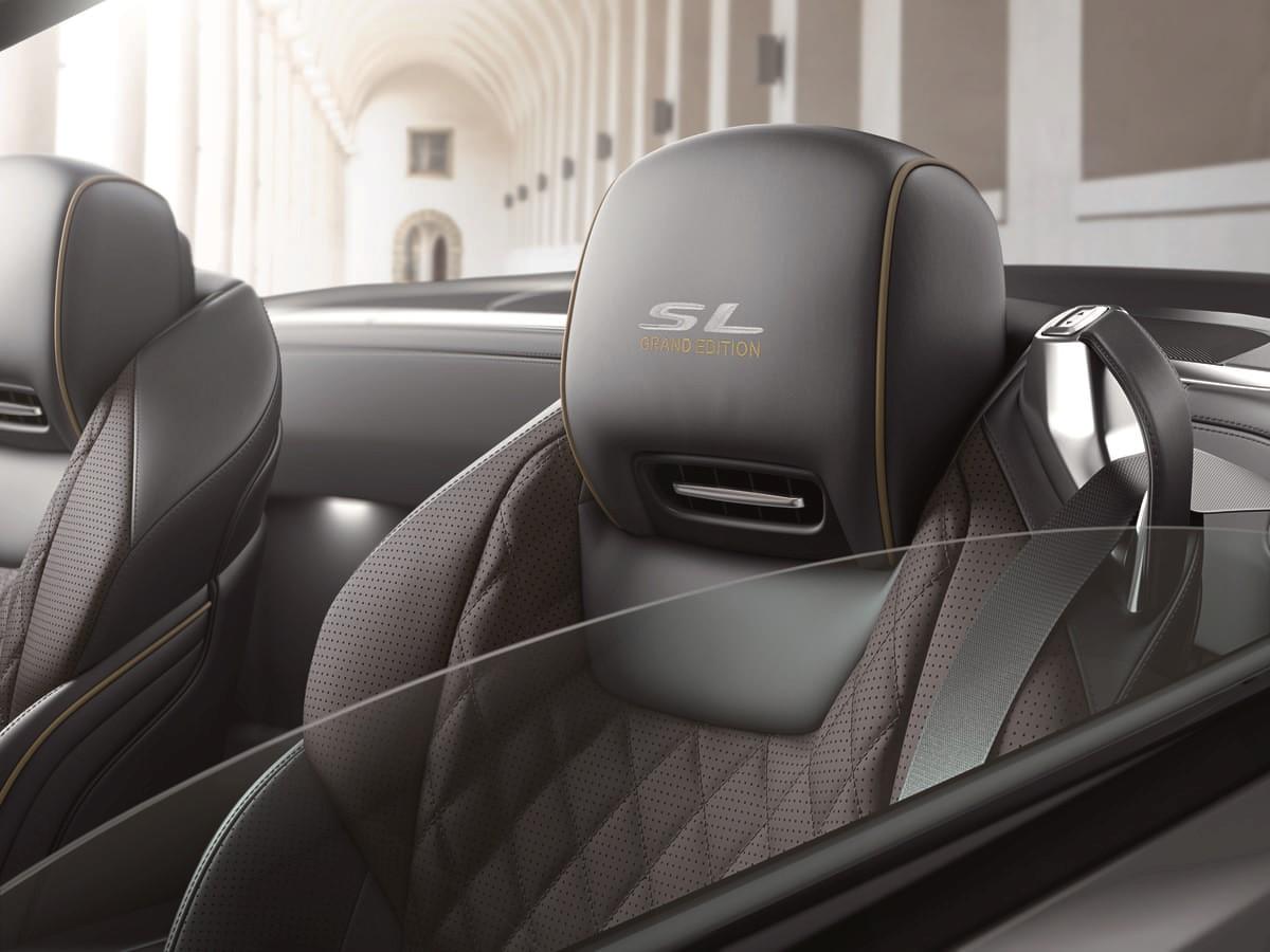 メルセデスベンツSL400へ、専用ホイールや最上位モデルの装備を配した特別仕様車