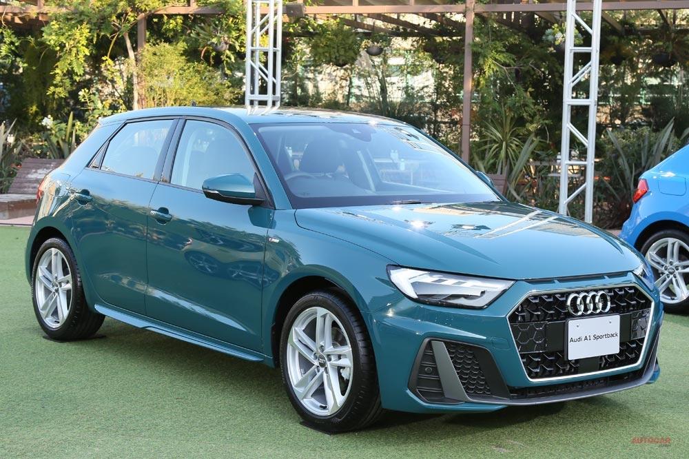 新型アウディA1 日本仕様1.5L車を撮影 サイズ/内装/荷室/発売日 1stエディションも