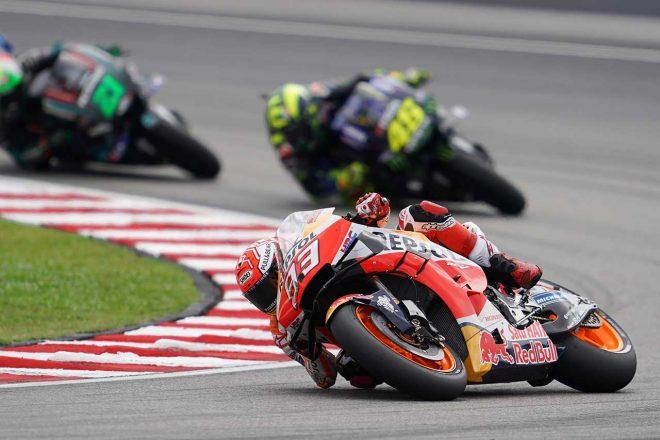 MotoGPマレーシアGP:11番手から抜群のスタートを決めたマルケス、前夜に「2015年ムジェロのレースを見た」
