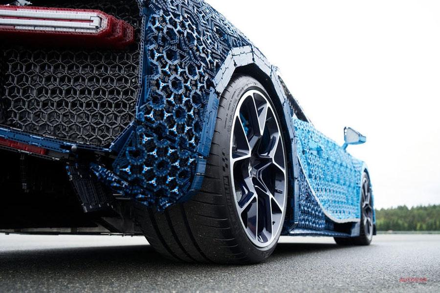 ブガッティ・シロンがレゴに 100万ピース以上でフルサイズに 自走可能