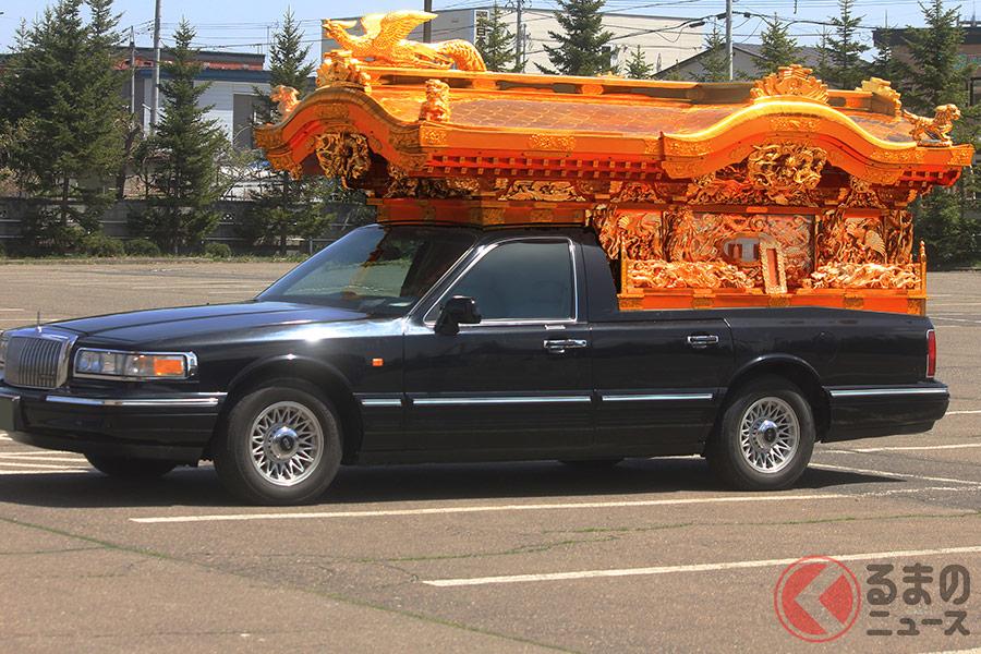 なぜ豪華な霊柩車が減少!? 神社仏閣仕様からシンプルなワゴン車に変わった理由とは