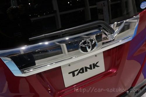 トヨタ タンク/ルーミーの外装比較【カスタムと標準車、4つの違いとは?】