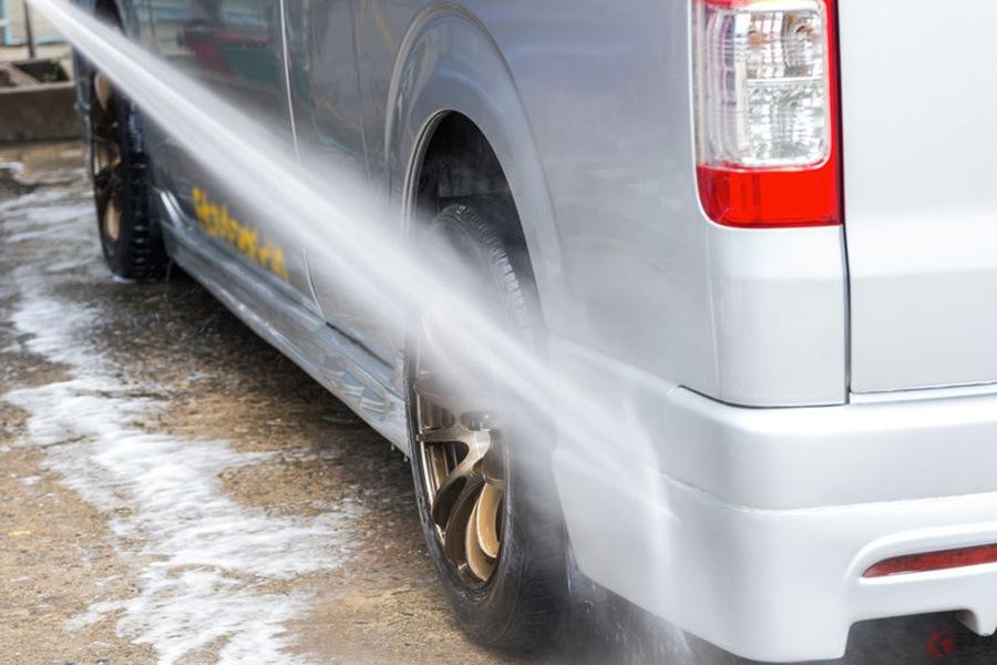 花粉や黄砂で汚い! 春にありがちなクルマの汚れはどう対処すればいい?