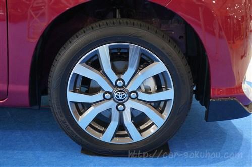 トヨタ タンク/ルーミーのタイヤ【3つの異なるデザインを実車画像で一挙公開】