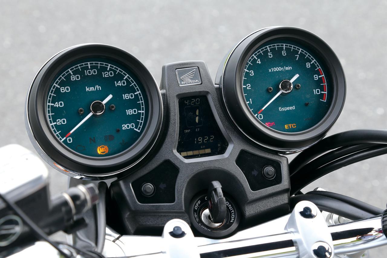 「このエンジンを見ているだけで、青春時代にタイプスリップできる」『HONDA CB1100/EX』(2014年)