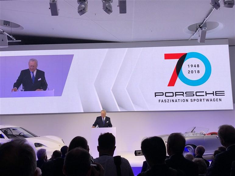 70周年を祝うポルシェの目玉はタイカンと911スピードスター