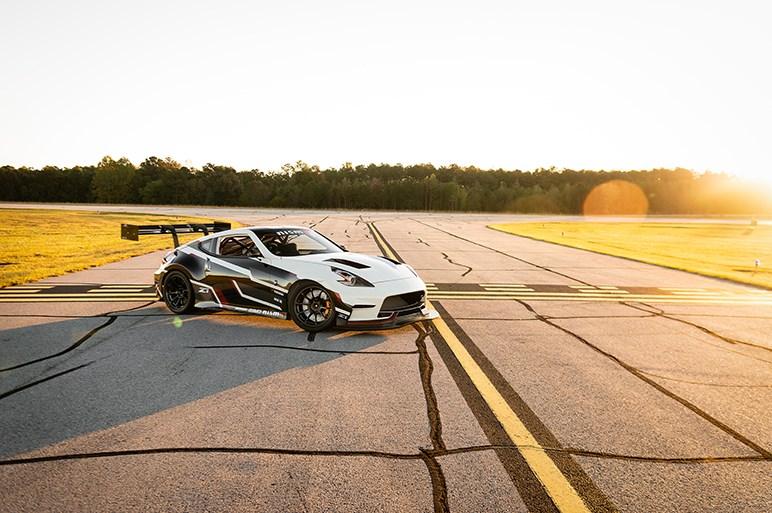 日産、フェアレディZベースのコンプリートカーをSEMAショーで公開