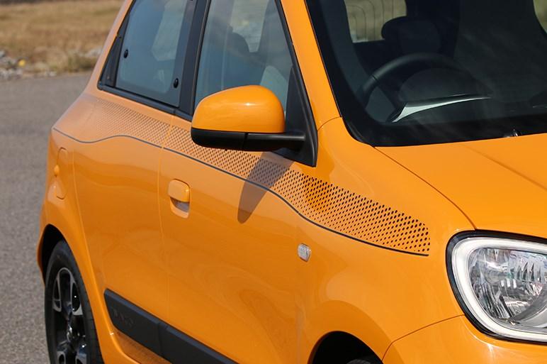 個性派ルノー トゥインゴが乗り心地を大きく改善。フランス車の味が残る貴重な存在に