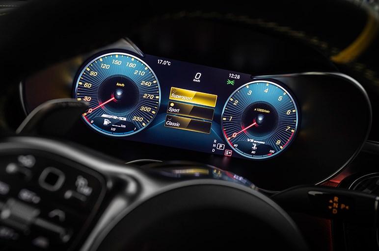 9速MCTを搭載する新しいAMG C 63は快適性重視のおっとり系