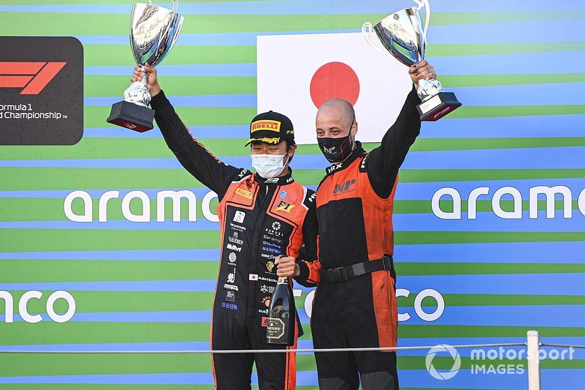 FIA F2バルセロナ:レース1 松下信治、18番手スタートから驚異の大逆転優勝! 角田裕毅も5位入賞