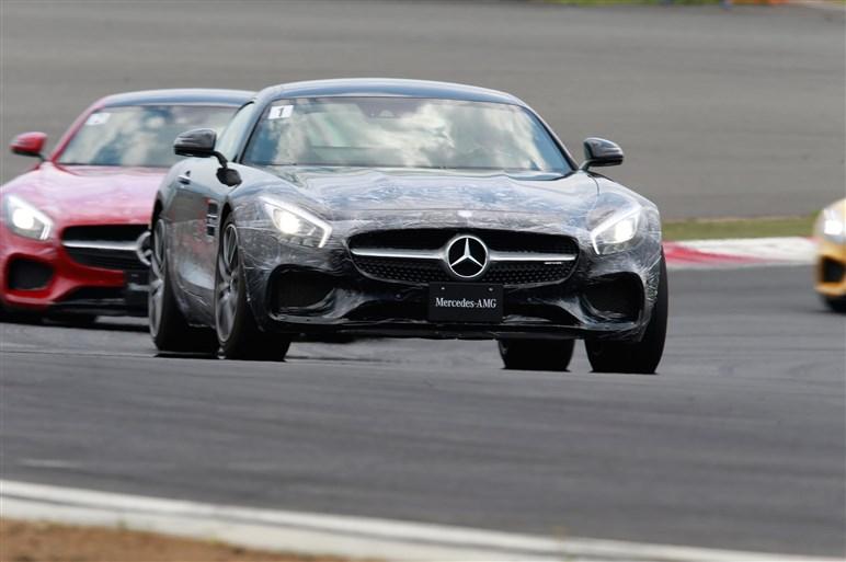 AMG GT Sで富士スピードウェイを走る。果たしてその実力は?