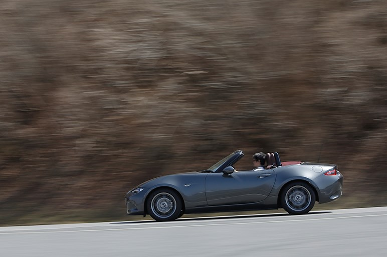 改良版NDはボディバランスが向上。最廉価モデルで約250万は頂けないが…