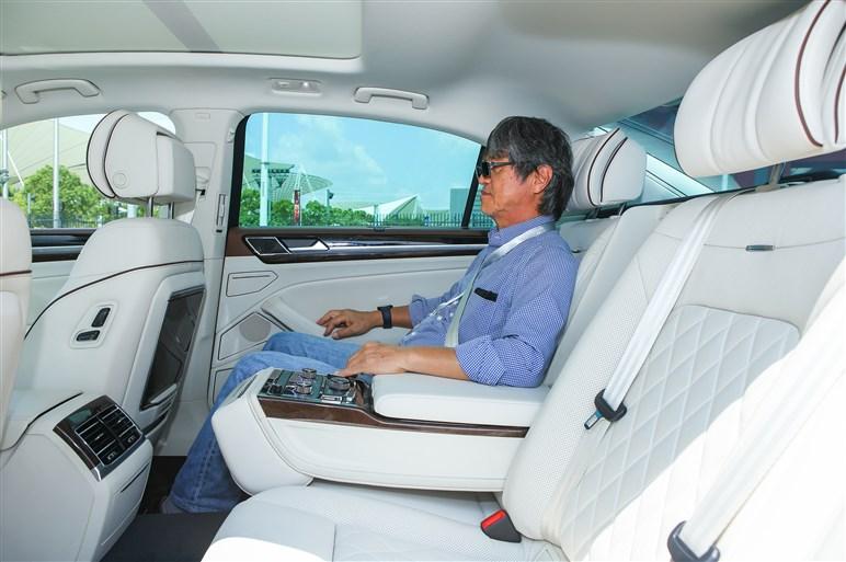 中国に活路を見出したVWフェートンの後継車フィデオン
