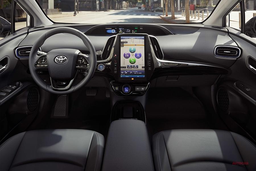 改良新型トヨタ・プリウス(2019年型)、デザイン刷新 AWD-eシステムが鍵 LAショー