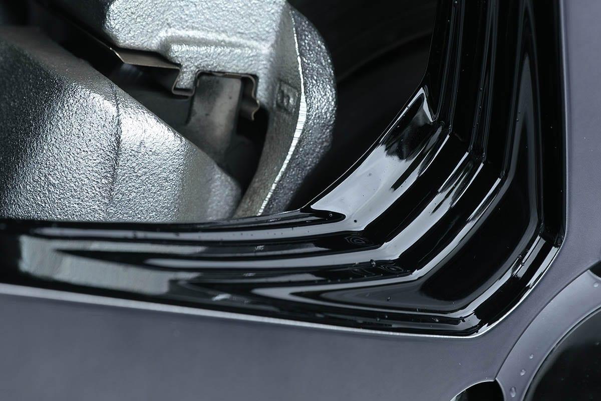タイヤが薄くなって乗り心地が悪くなりがちな大口径化。22インチで乗り心地も考慮するには?|30アルファード & ヴェルファイア カスタム