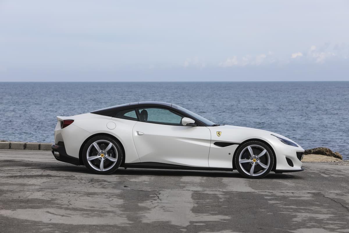 「フェラーリ」ってどんな自動車メーカー? 最新ラインアップと価格を調べてみた