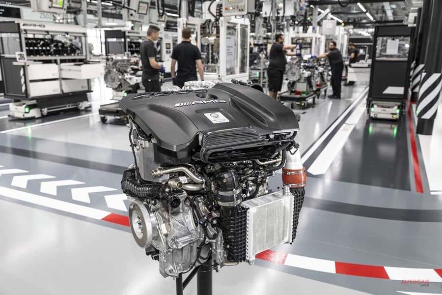 次期型メルセデスAMG C63 V8に替わり4気筒ハイブリッドを採用の見込み