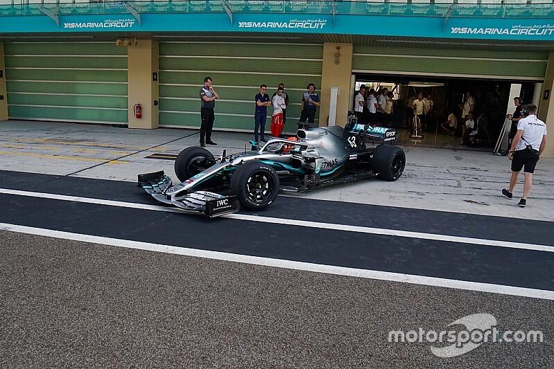 """ピレリ、2021年用""""18インチF1タイヤ""""の年内開発テストを完了。ラッセルがメルセデスのマシンで200周以上を走破"""