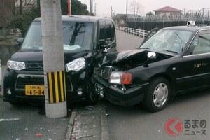 電柱を破損させたらいくら? 車で公共物を壊した際の対処方法とは