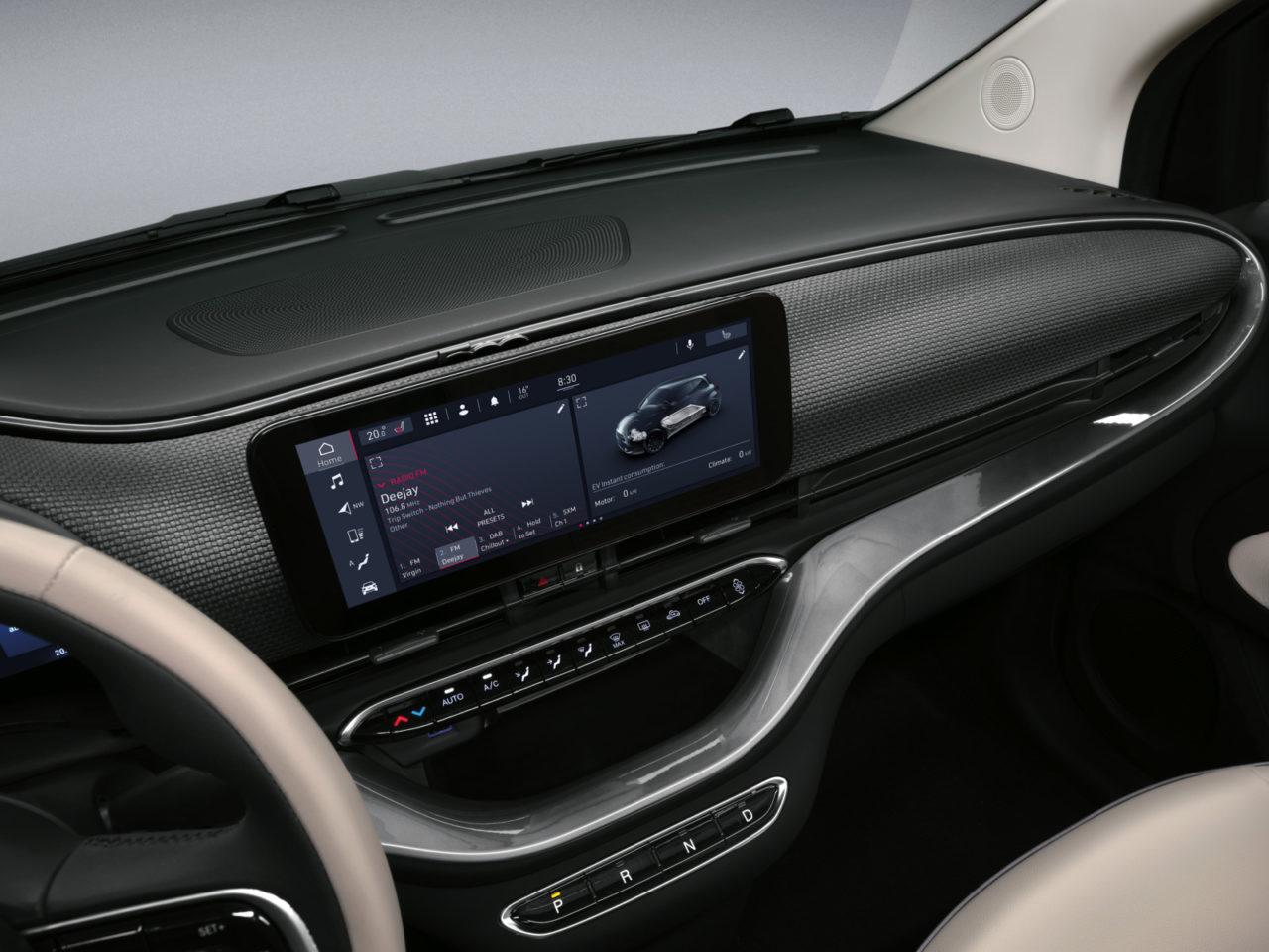 新型フィアット 500のアバルトは出る? ブランドトップがYouTubeで答えるチンクェにまつわる「知りたいこと」