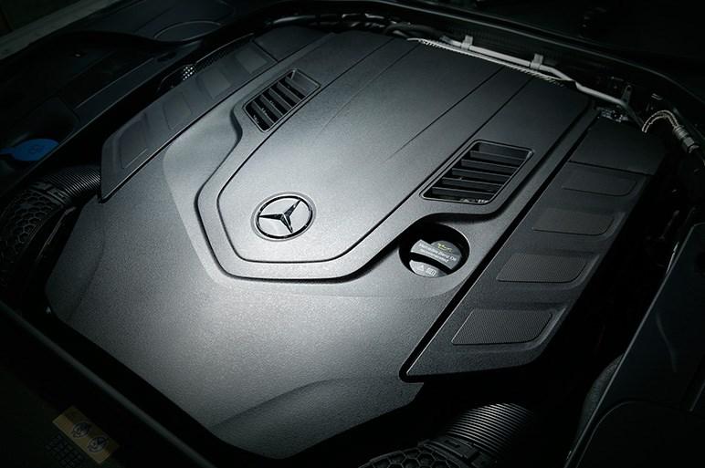 リモート駐車など先進装備を満載した最新のSクラスとAMGに試乗する