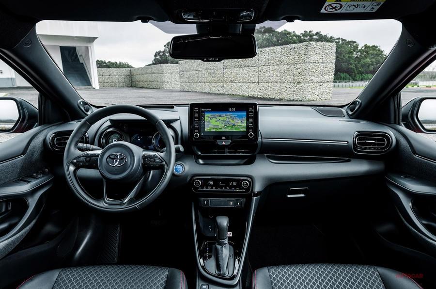 【優れた燃費に運転の楽しさプラス】トヨタ・ヤリス・プロトタイプへ試乗