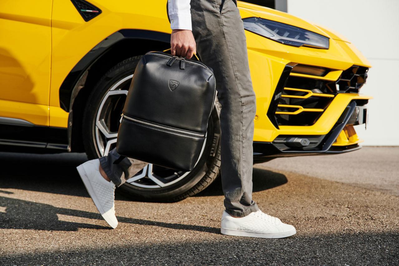 ランボルギーニがイタリアのレザーグッズ専門ブランド「Principe(プリンチぺ)」とライセンス契約を締結。バックパックなどのトラベルコレクションをこの春夏から発売