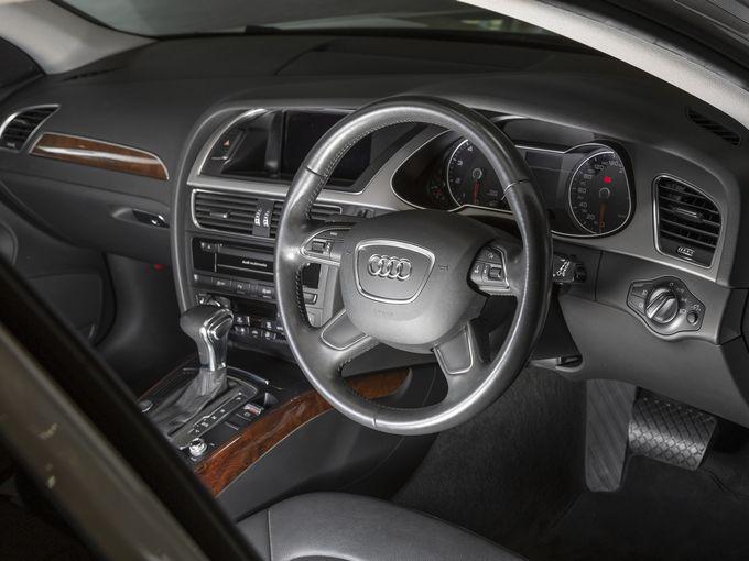 ACCが無いことを除けば「超お買い得」な100万円台の旧型アウディ A4アバントについて考える