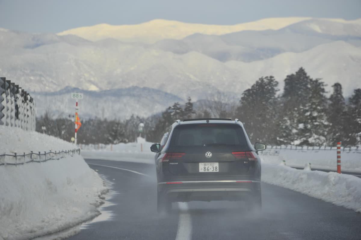 今さら聞けない!雪道も走れるオールシーズンタイヤとスタッドレスタイヤの違い