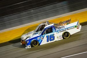 NASCARトラック・シリーズ、日本人オーナーチームが早くもポイントリーダーに大躍進!
