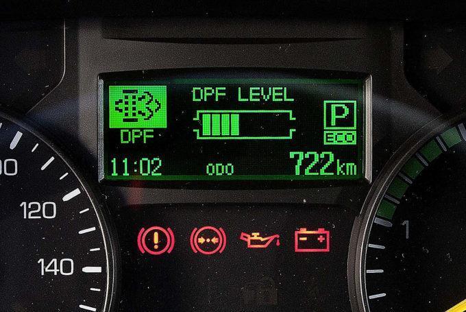 ディーゼル車の出す「黒煙」はもちろんキレイに見える排ガスも身体に悪影響?