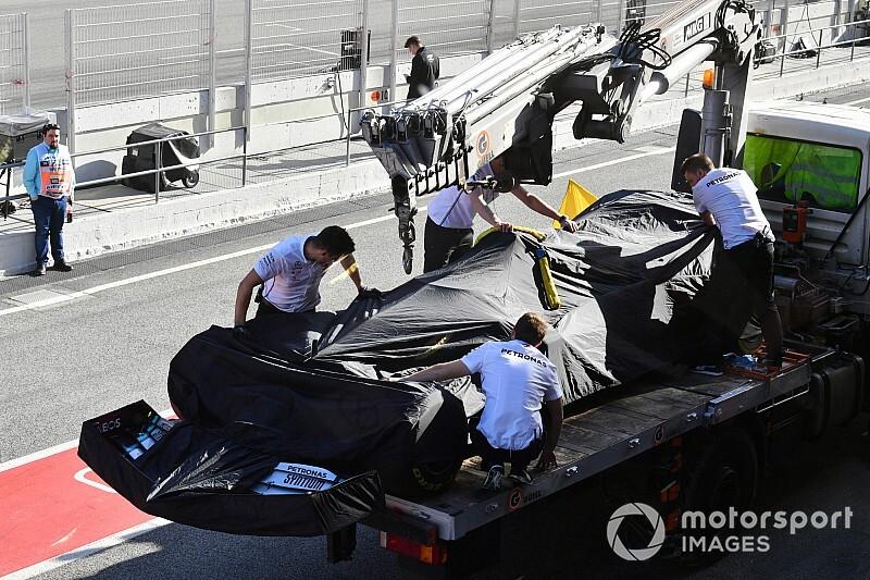 メルセデスPUの信頼性に黄色信号? ハミルトンにもトラブル発生|F1プレシーズンテスト