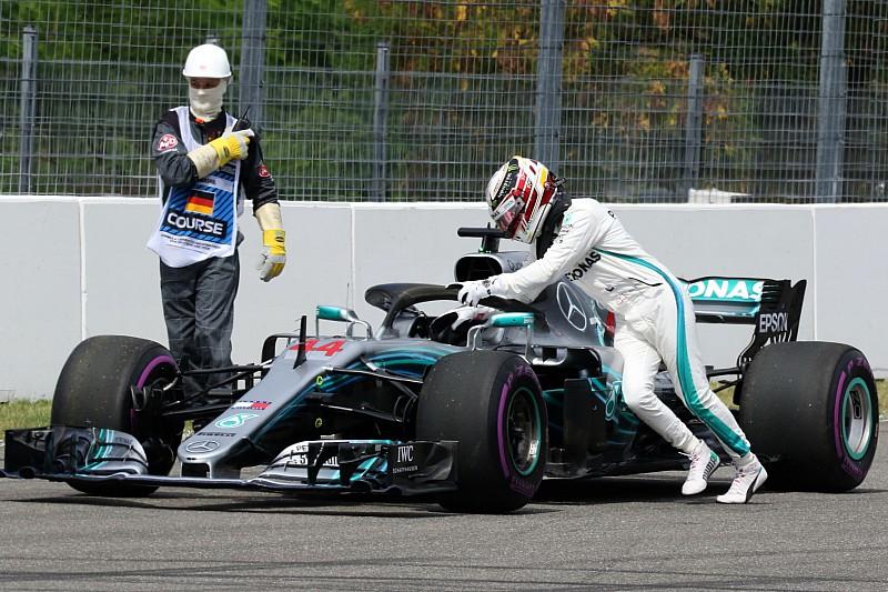 """ハミルトン、トラブル多発に動揺せず「ただ不運なだけ。フェラーリの""""接近""""のせいじゃない」"""