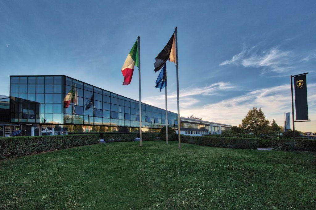 ランボルギーニ、優秀な労働環境を評価され7年連続で「トップ・エンプロイヤー・イタリア」認定を獲得