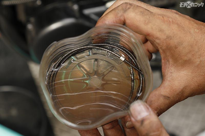 ケーブルの動きが確実に良くなる内部洗浄&注油の方法