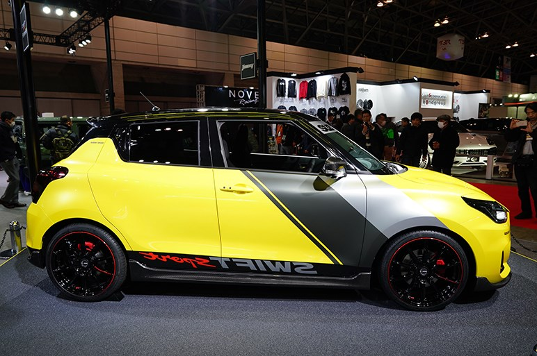 【東京オートサロン2019】スズキは完成度高い「ジムニーシエラ ピックアップ スタイル」やスイフトスポーツのカスタムモデルを展示