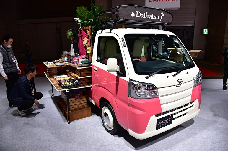 【東京オートサロン2019】ダイハツは市販予定のコペン クーペや往年のレースカーP-5をはじめ、軽自動車、小型車のカスタムコンセプトカーを展示