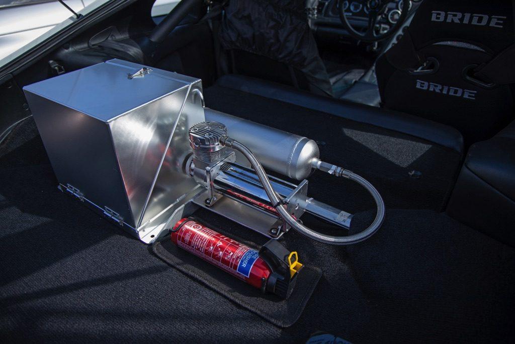 「2JZフルチューンをワイヤータックで魅せる!」800psオーバーのJZA80スープラ【W-Option JAMBOREE】